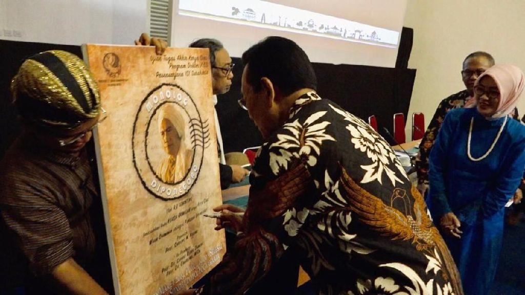 Sultan HB X Hadiri Sidang Terbuka Promosi Doktor ISI Surakarta