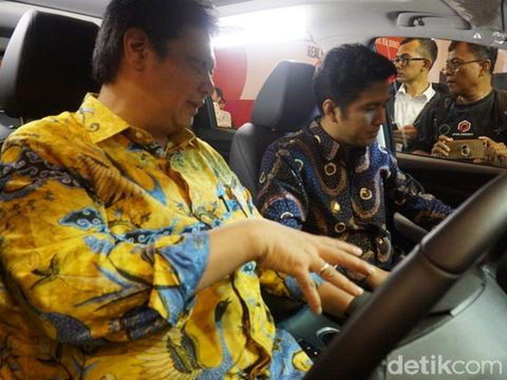 Menperin Buka GIIAS Surabaya, Target Penjualan Mobil 2.500 Unit