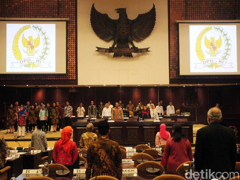 Paripurna Penutupan Masa Sidang IV DPD Dihadiri 73 Senator