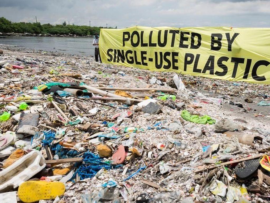 Kanada Larang Plastik Sekali Pakai di Akhir Tahun Depan