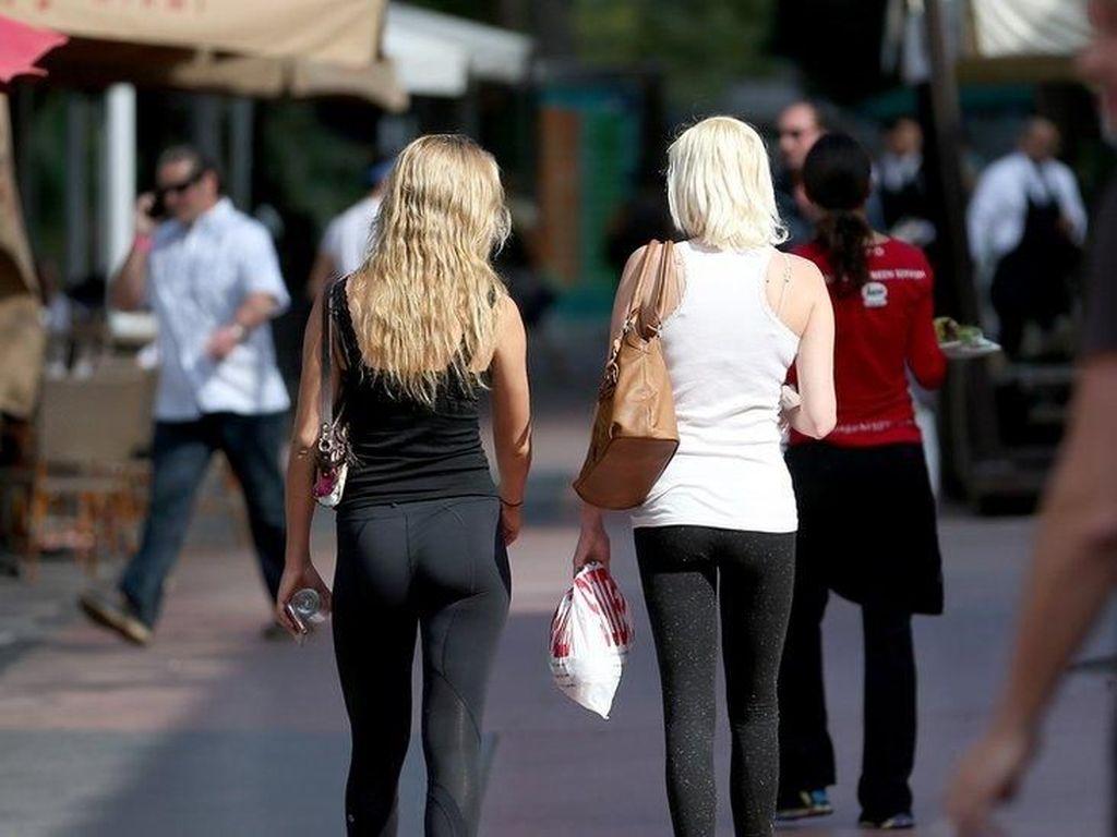 Surat Seorang Ibu Picu Kontroversi Celana Legging di Kampus AS