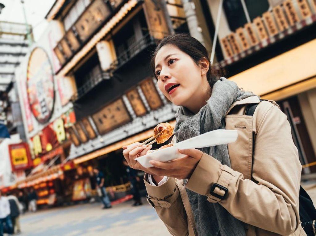 Beijing Sewa Orang Khusus Untuk Ingatkan Pengunjung Restoran Tidak Buang Makan