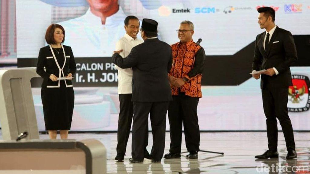 Momen Gregetnya Jokowi dan Prabowo Adu Gagasan di Debat Keempat