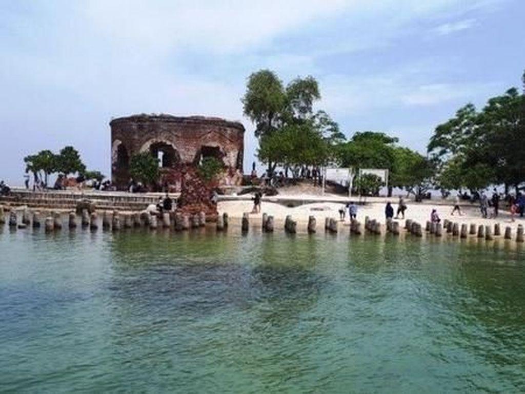Benteng Indah di Tepi Pantai Ini Ada di Jakarta, Tahu?
