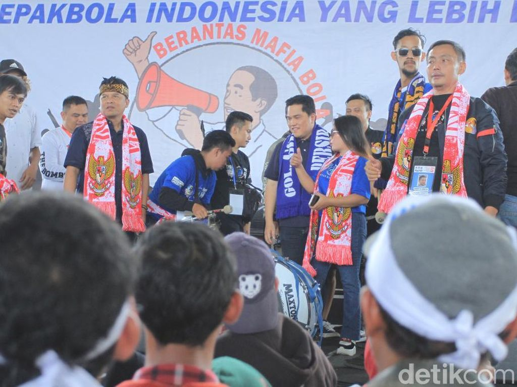 Dianggap Peduli Sepakbola, Tiga Organisasi Bobotoh Dukung Jokowi