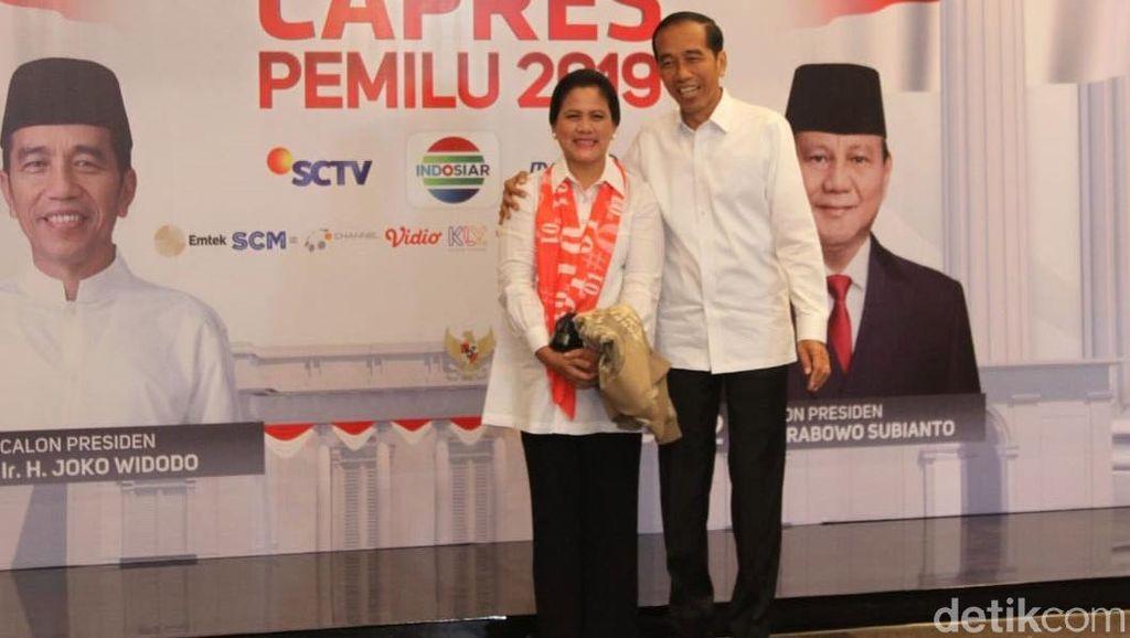Gaya Casual Kekinian Iriana Jokowi dan Istri Maruf di Debat Capres 2019
