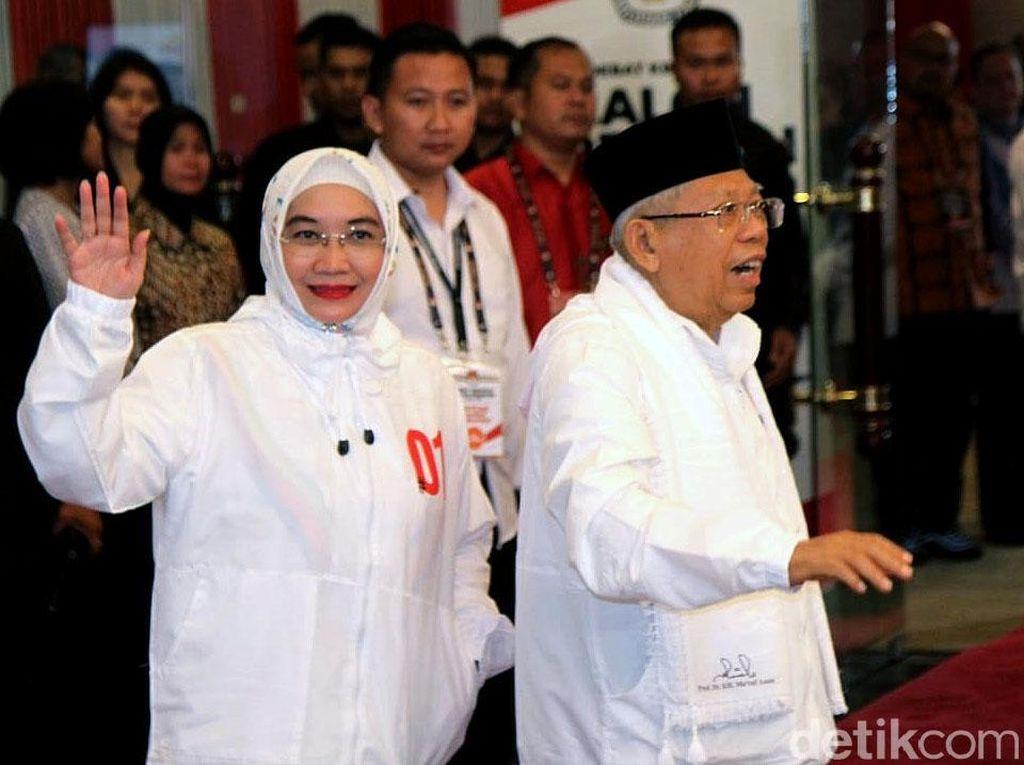 Gaya Istri Maruf Amin di Debat Capres Ke-4: Pakai Jaket 01 Rp 400 Ribu