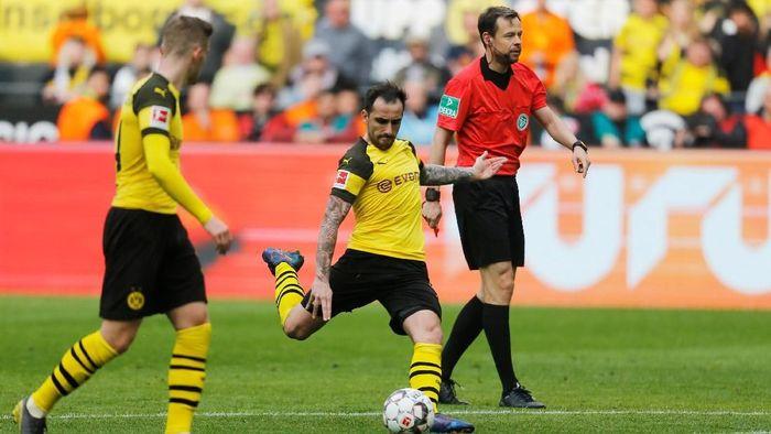 Dua gol Paco Alcacer menangkan Borussia Dortmund. (Foto: Leon Kuegeler/Reuters)