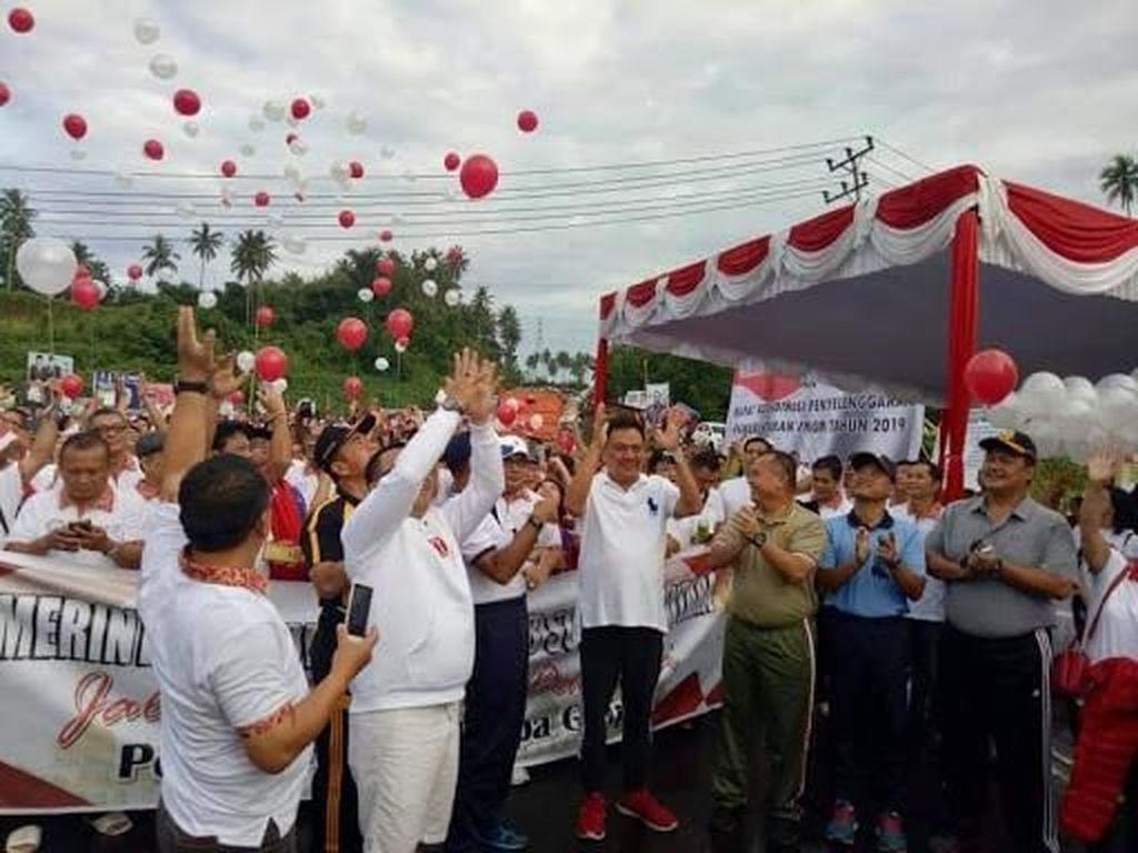 Gubernur Olly Kampanye Pemilu Rukun Tanpa Golput Lewat Jalan Sehat