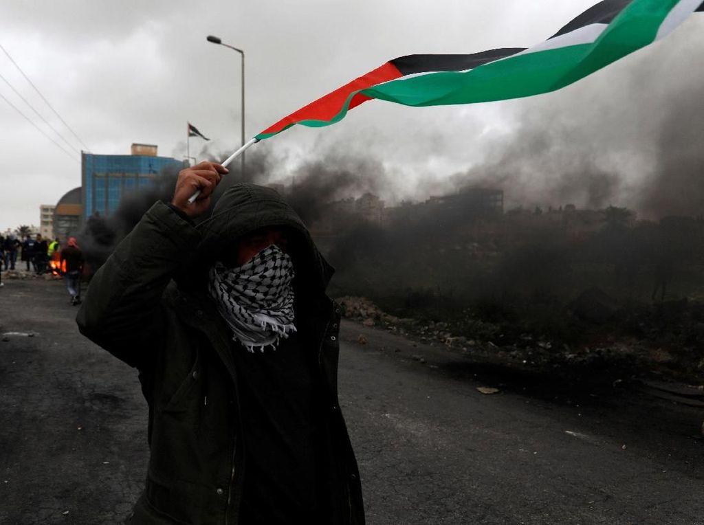 Potret Perjuangan Warga Peringati 1 Tahun Aksi Bebaskan Palestina