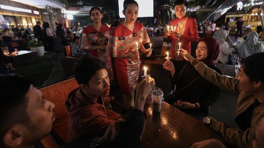 Momen 70 mal Lakukan Aksi Earth Hour