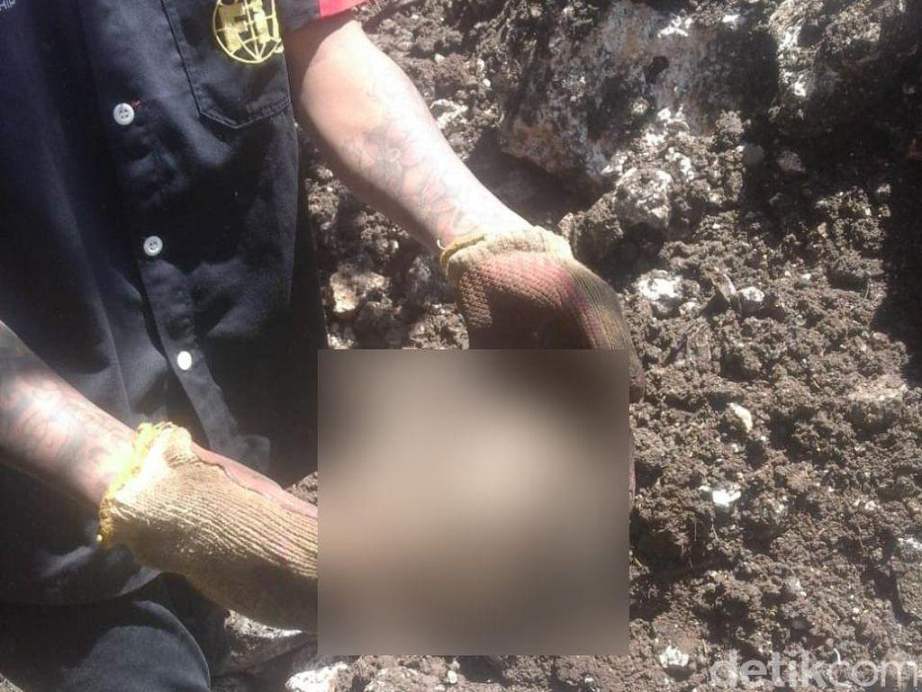 Bagian Tubuh Sucipto Korban Longsor di Jember Ditemukan