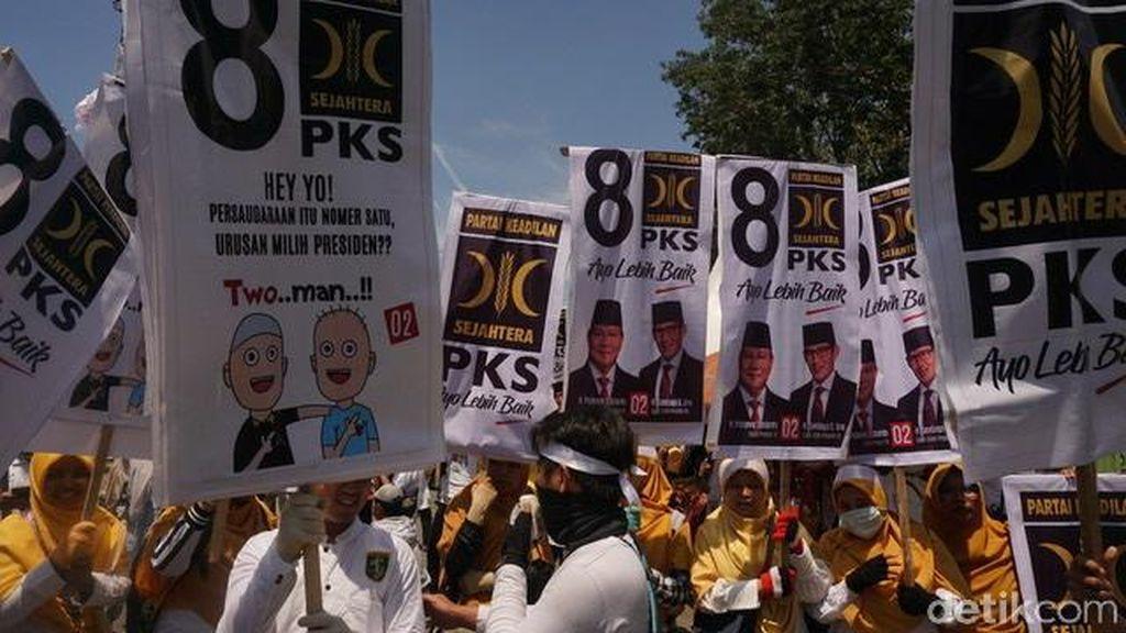 Massa Kampanye Akbar Prabowo-Sandi Merapat ke Stadion Delta Sidoarjo