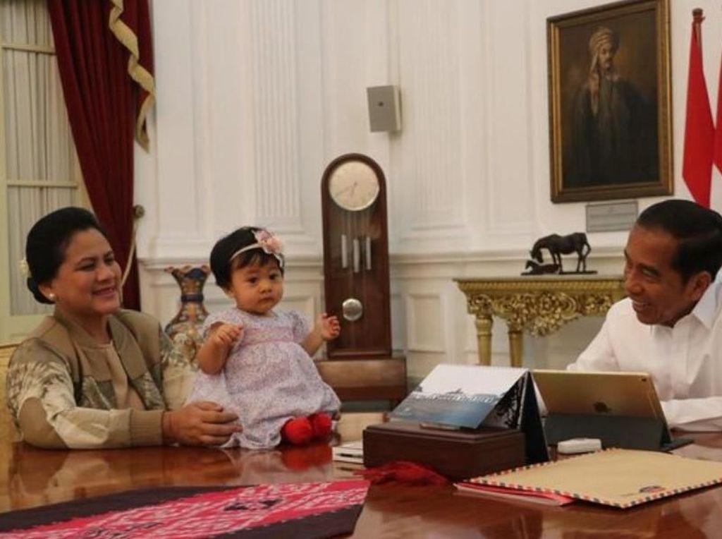Gemas! Temani Jokowi, Sedah Mirah Duduk di Meja Istana