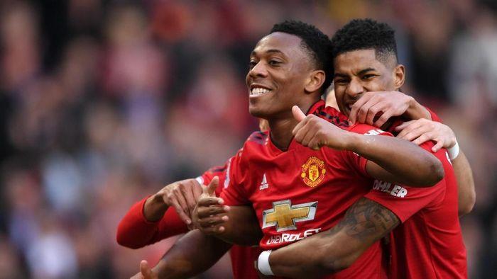 Anthony Martial berupaya membawa Manchester United membawa pulang tiga poin dari kandang Wolverhampton Wanderers. (Foto: Shaun Botterill/Getty Images)