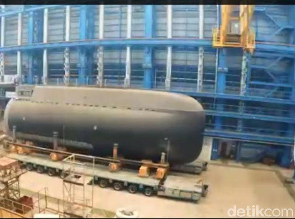 Ini Tank dan Kapal Selam yang Dibanggakan Jokowi saat Debat