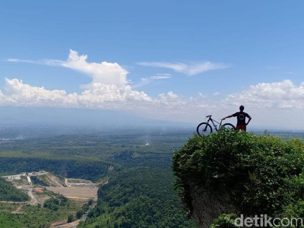 Foto: Sepeda Gunung dan Keindahan Panorama Ponorogo