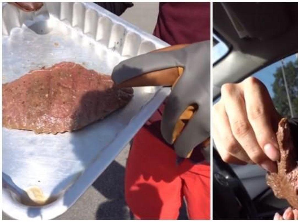 Karena Cuaca Terik, YouTuber Malaysia Ini Masak Steak Dalam Mobil