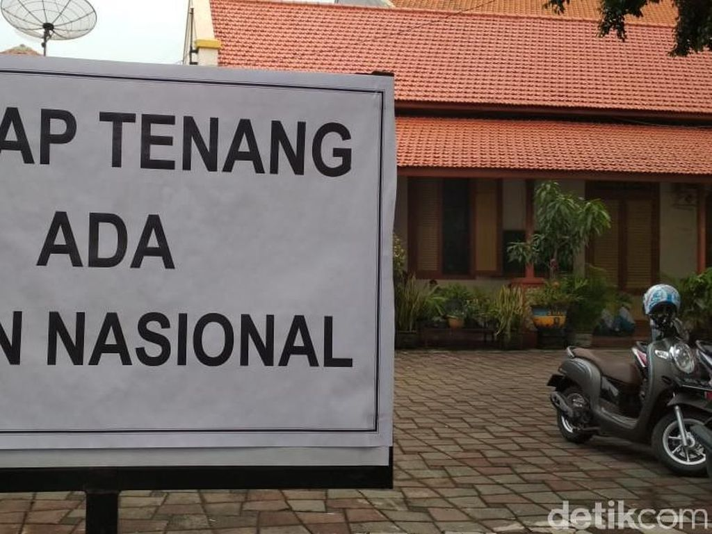 Latihan Taruna di Jalanan Surabaya Bareng dengan UNBK, Mengganggu?