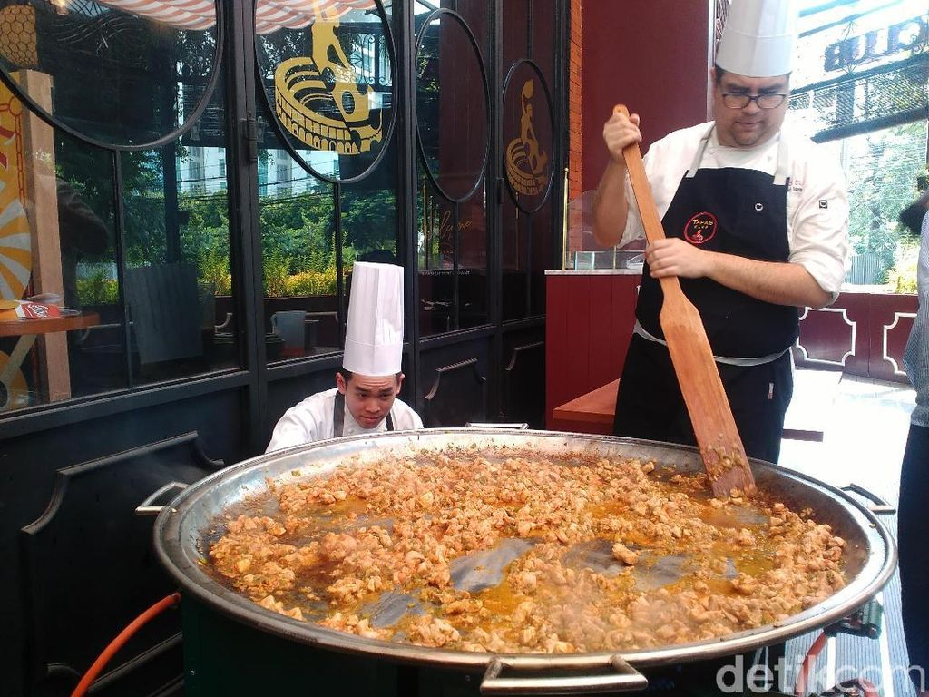Ada Tortilla dan Paella Autentik Spanyol di Resto Klasik Ini