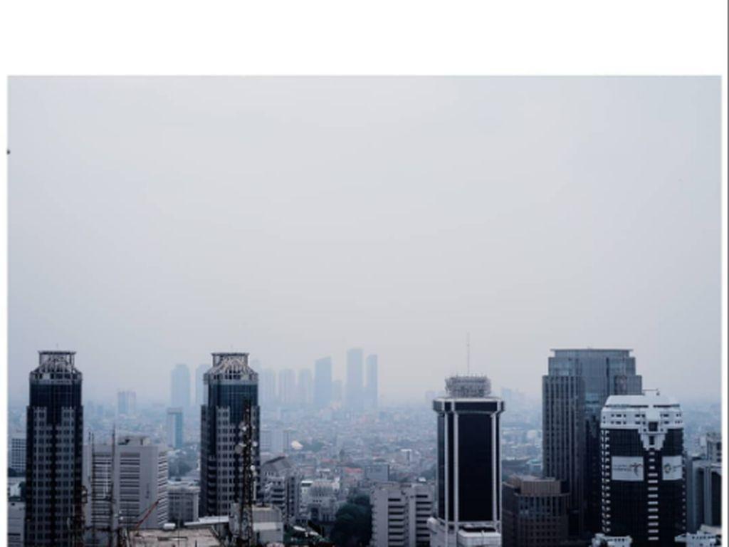 BMKG Prediksi Hujan Disertai Petir Terjadi di Jaksel-Jaktim Hari Ini