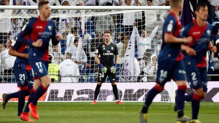 Keputusan Zinedine Zidane memainkan anaknya, Luca Zidane, saat Real Madrid mengalahkan Huesca 3-2, Senin (1/4/2019) dini hari WIB disorot. (Foto: Juan Medina/Reuters)