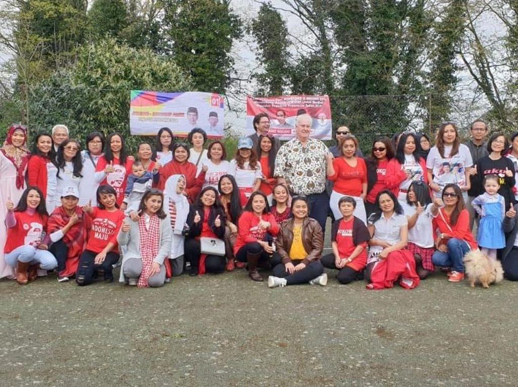 Indonesia Banyak Kemajuan, WNI di Hereford Inggris Dukung Lagi Jokowi