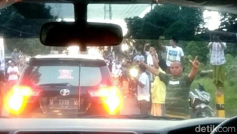 Dihadang Pendukung Prabowo, Maruf Amin Batal Ziarah di Pamekasan