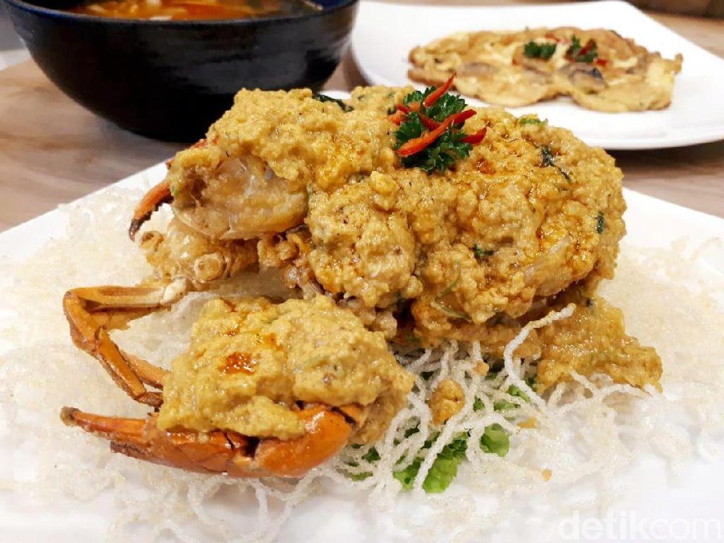 Thai Addict: Makan Siang Mantap Pakai Kepiting Saus Kare dan Tom Yum Ayam
