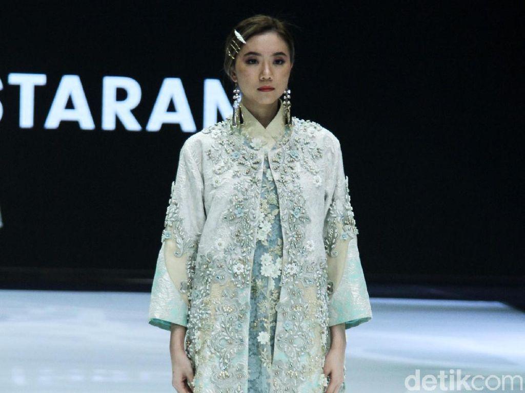 Foto: 15 Busana Bertema Keindahan Kalimantan Karya 6 Desainer x Wardah