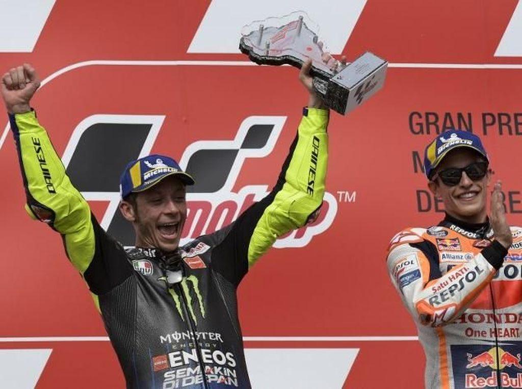 Setelah Dua Kali Ditolak, Marquez Senang Akhirnya Disalami Rossi