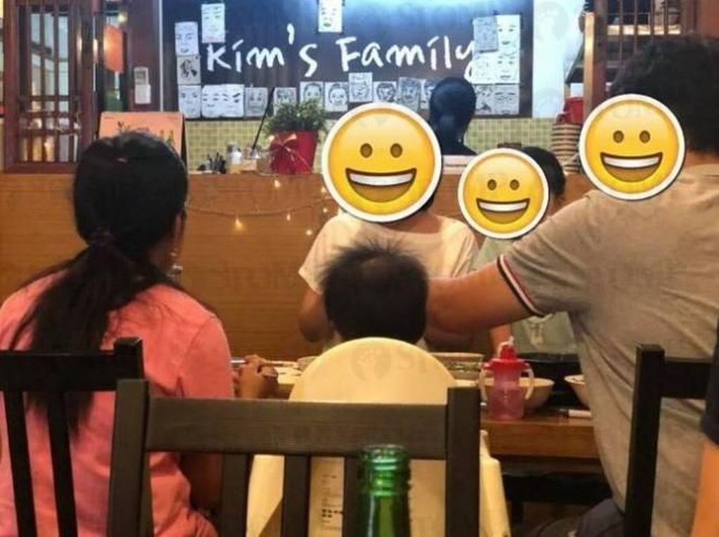 Mengharukan! Keluarga Ini Rayakan Ultah Asisten Rumah Tangganya di Restoran