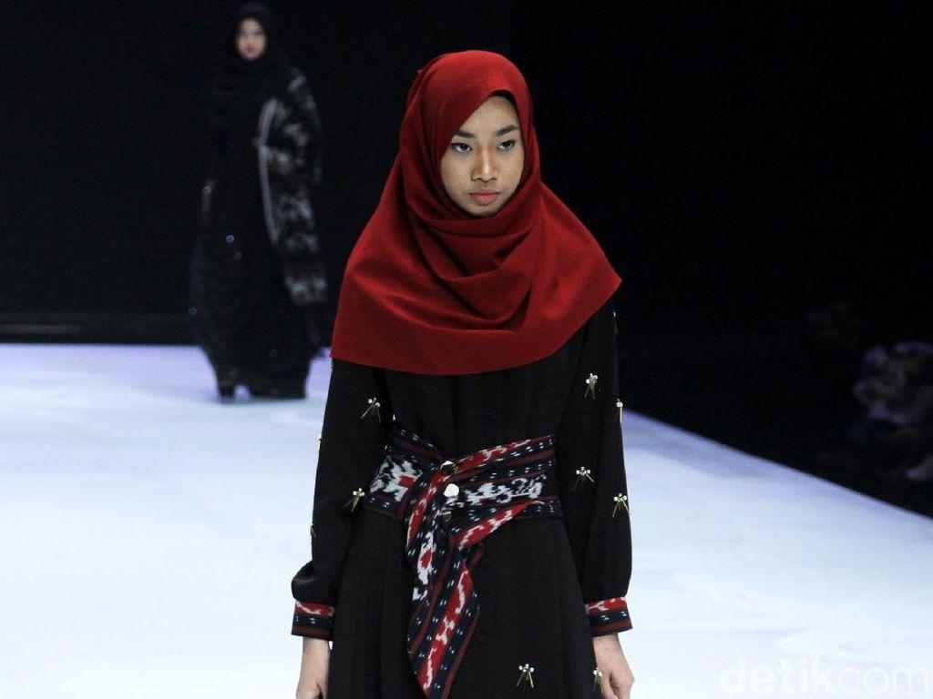 Semangat Hijrah, Baju Syari Mendominasi Bazaar Indonesia Fashion Week 2019