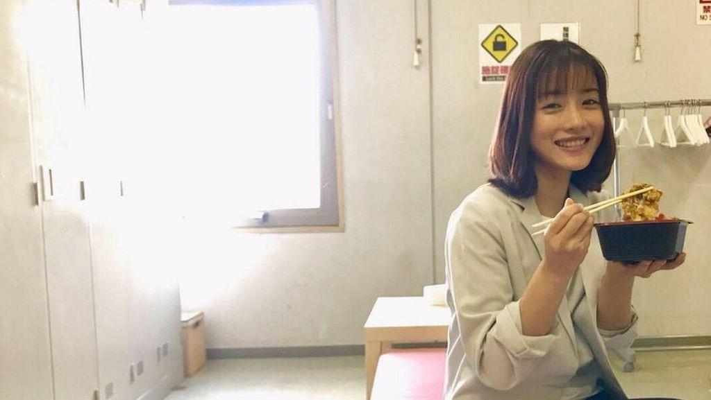 Mengintip Asyiknya Kulineran Satomi Ishihara, Wanita Tercantik di Asia