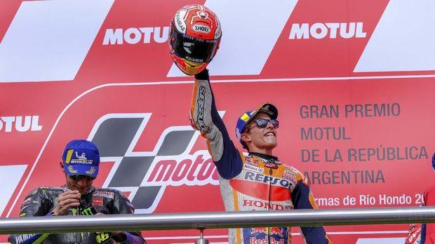 Rossi Merasa Seperti Badut Meminta Salaman dengan Marquez