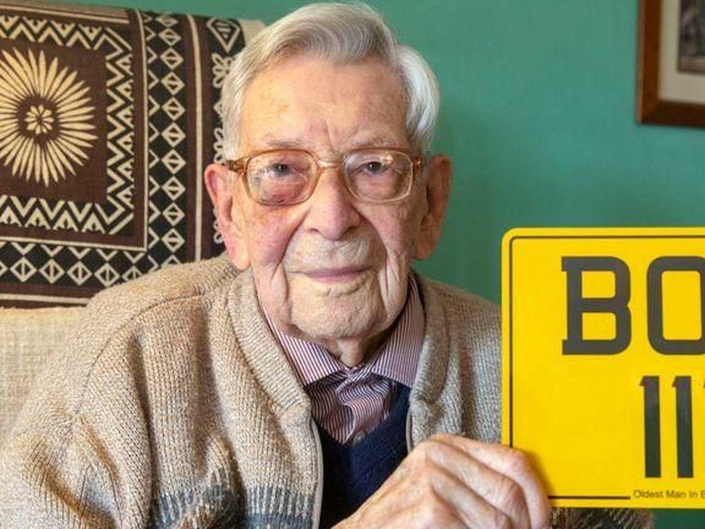 Bubur Oatmeal Jadi Santapan Panjang Umur Pria Tertua di Inggris Ini