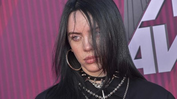 Bernyanyi Selamatkan Billie Eilish dari Depresi