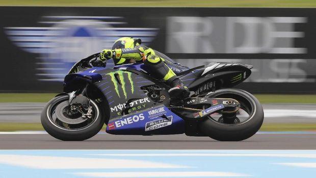 Performa Dikritik, Rossi Ungkit Penampilan Buruk Lorenzo