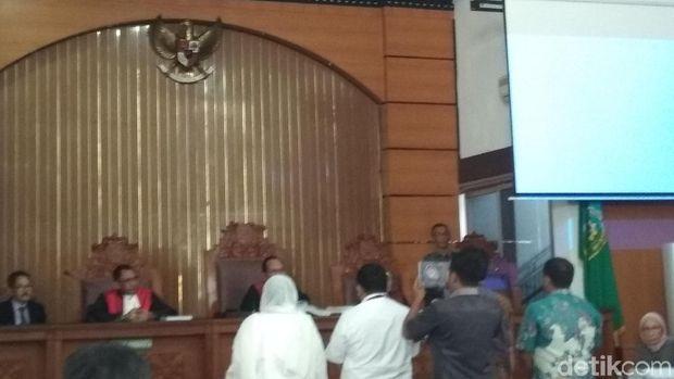 Nanik S Deyang Bersaksi di Sidang Ratna Sarumpaet