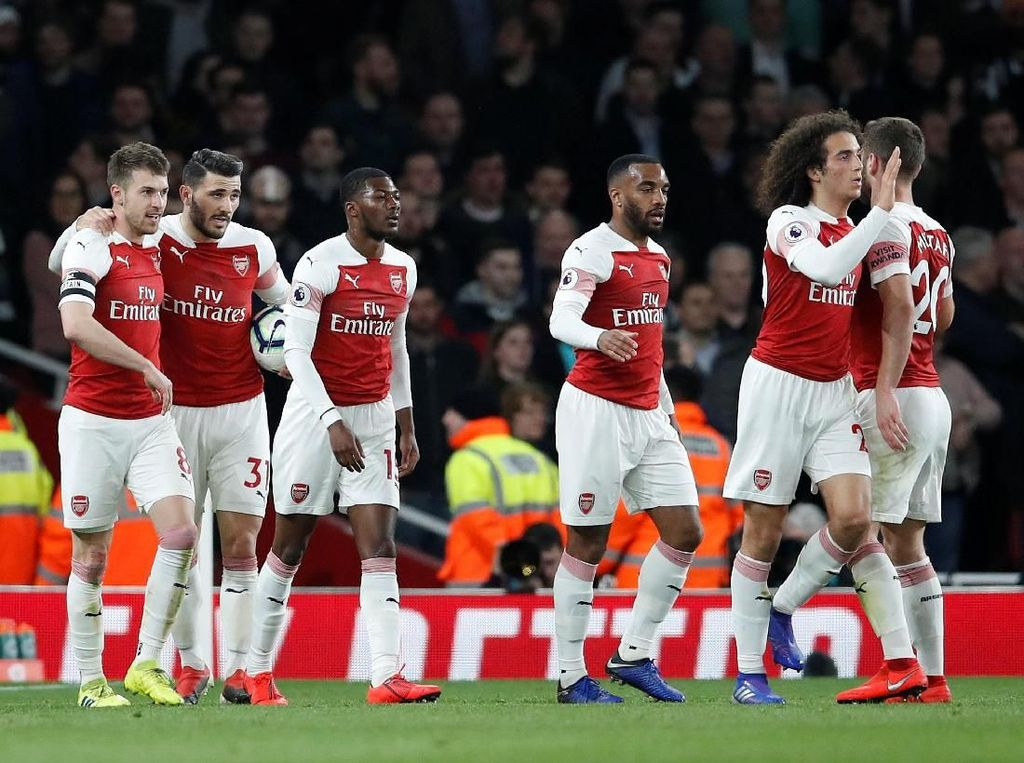 Kalahkan Newscastle, Arsenal Salip Tottenham