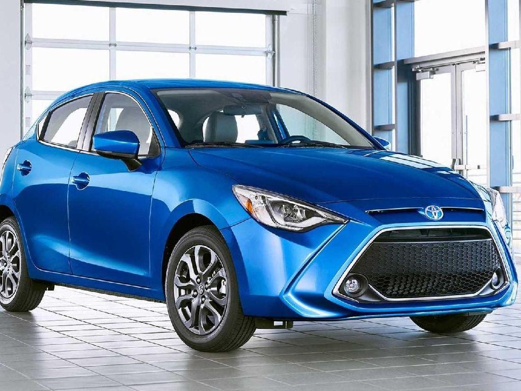 Toyota Yaris Berbodi Mazda