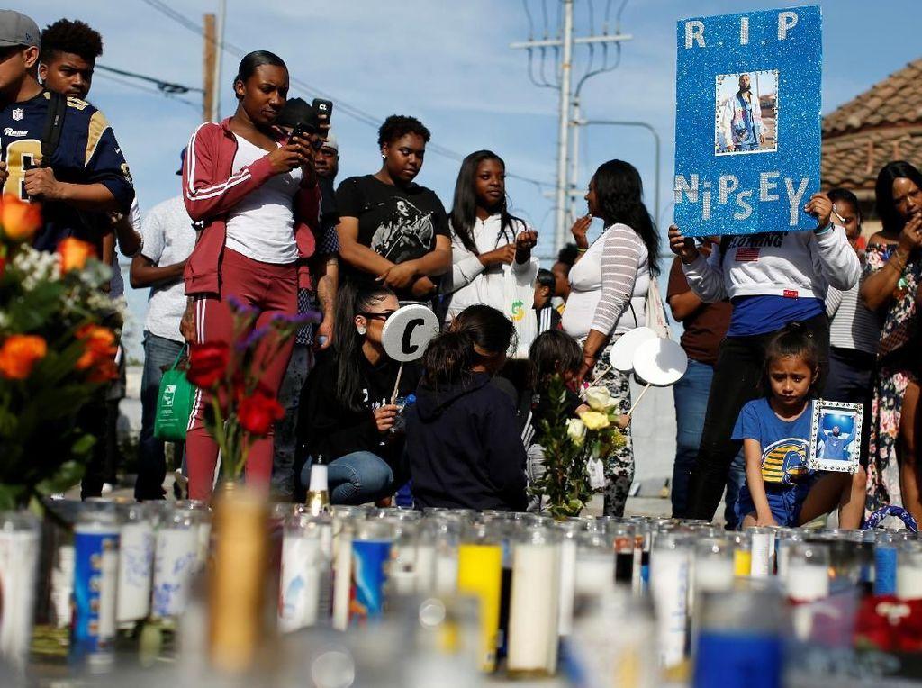 Ratusan Fans Berkumpul di Lokasi Penembakan Nipsey Hussle