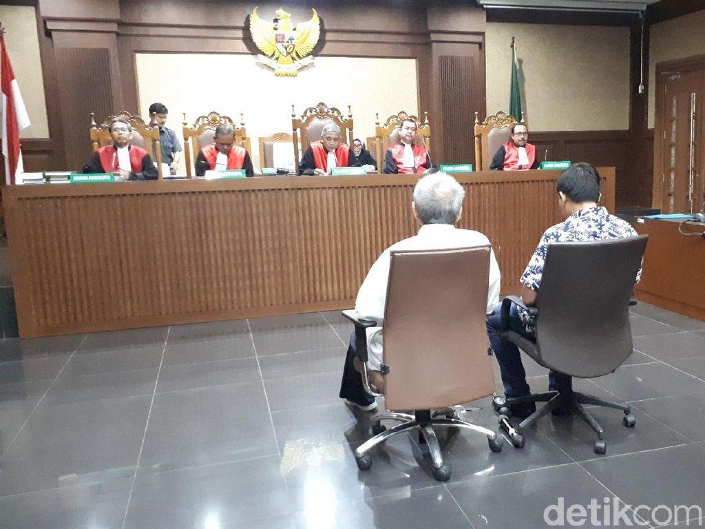 Terbukti Terima Suap, 2 Eks Anggota DPRD Sumut Divonis 4 Tahun Bui