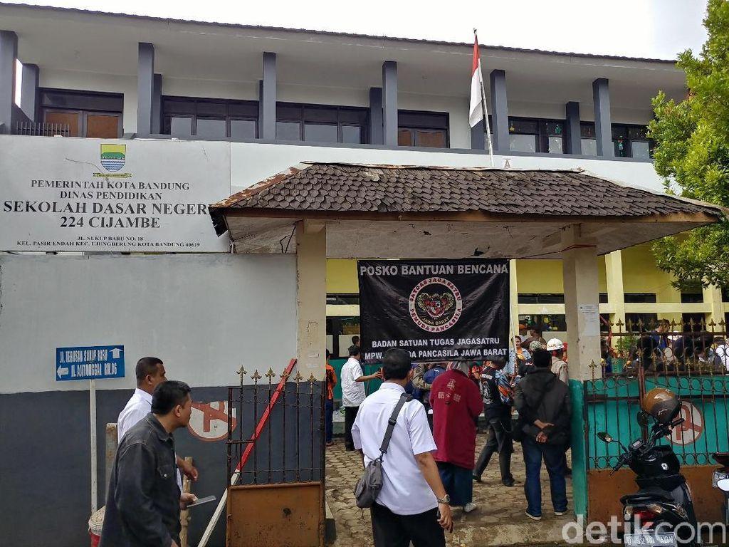 SD Ajitunggal Rusak Diterjang Banjir, Siswa Ujian di Tempat Lain