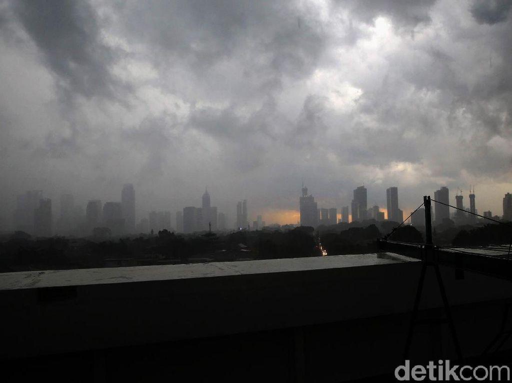 BMKG Jelaskan Fenomena Hujan Deras di Jakarta dalam 2 Hari Terakhir