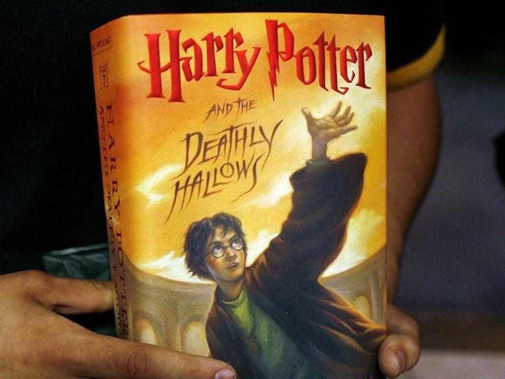 Buku Harry Potter Pernah Dilarang Beredar di Prancis dan Rusia