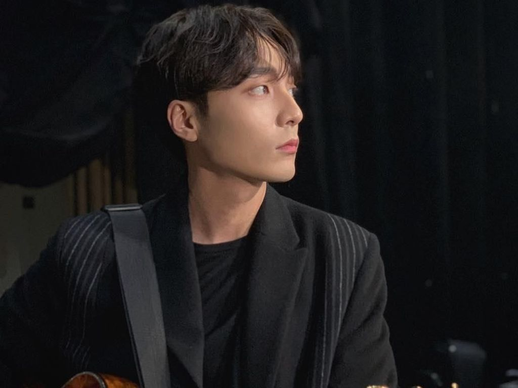 Polisi Ungkap Keterlibatan Roy Kim dalam Kasus Video Porno Jung Joon Young
