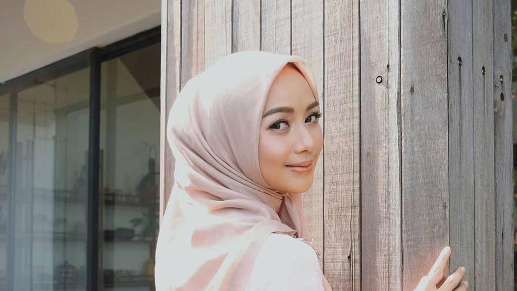 10 Selebgram Berhijab Asal Bandung, Cantiknya Nggak Ngebosenin