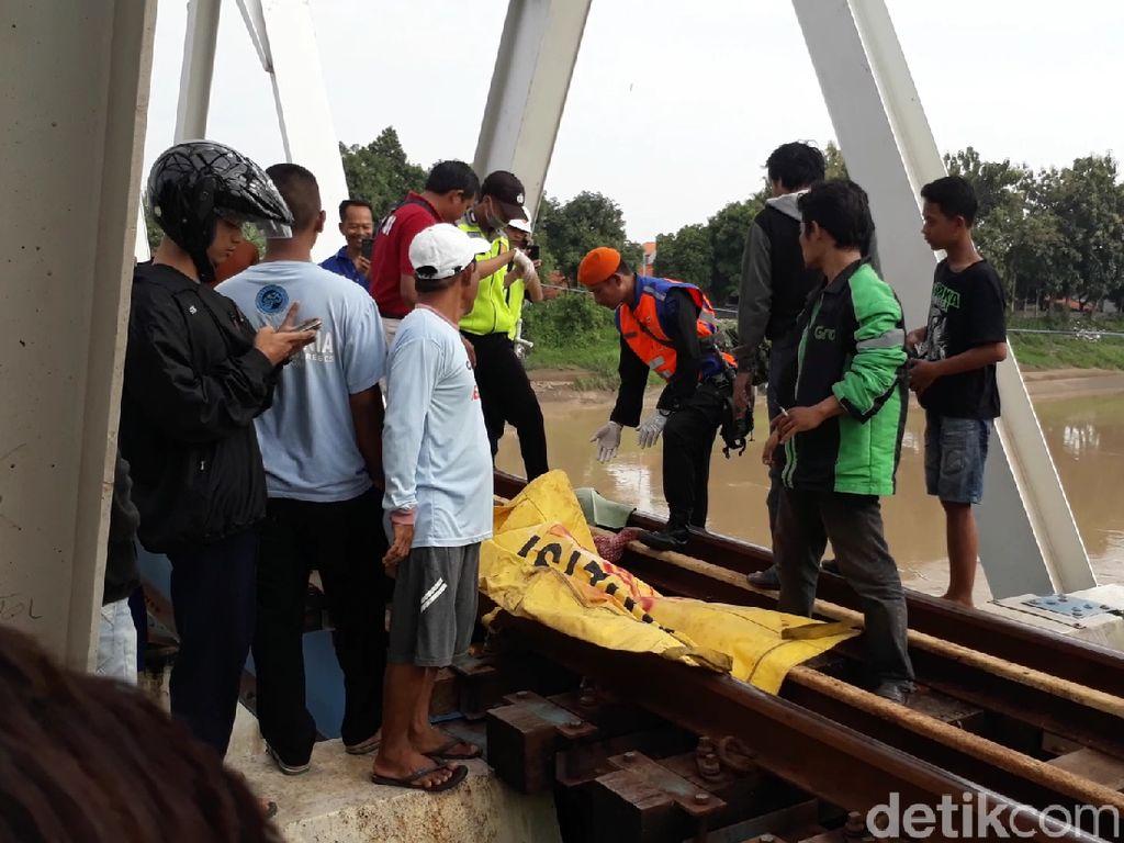 Video: Tragis! Ibu dan 2 Anak Balitanya Tewas Terlindas KA
