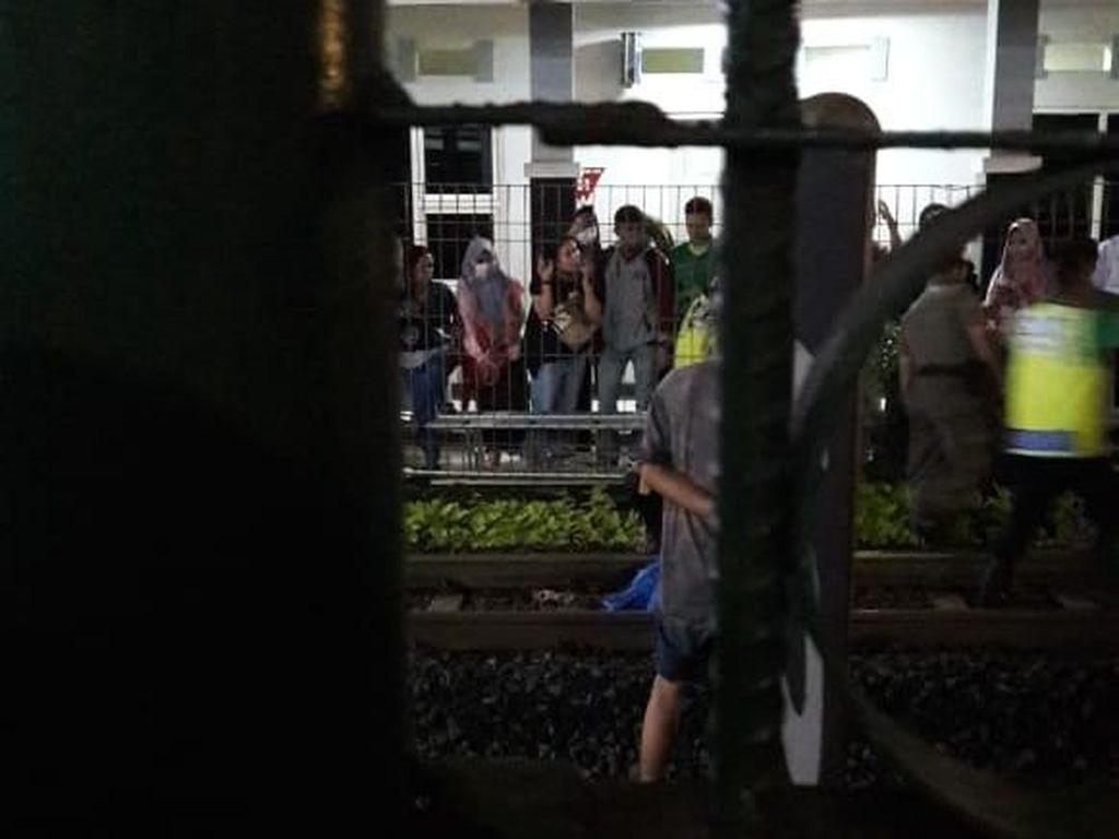 Terserempet KRL Dekat Stasiun Kalibata, Satu Orang Tewas